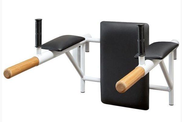 Цельносварные брусья с подлокотниками и спинкой (деревянные ручки) 1
